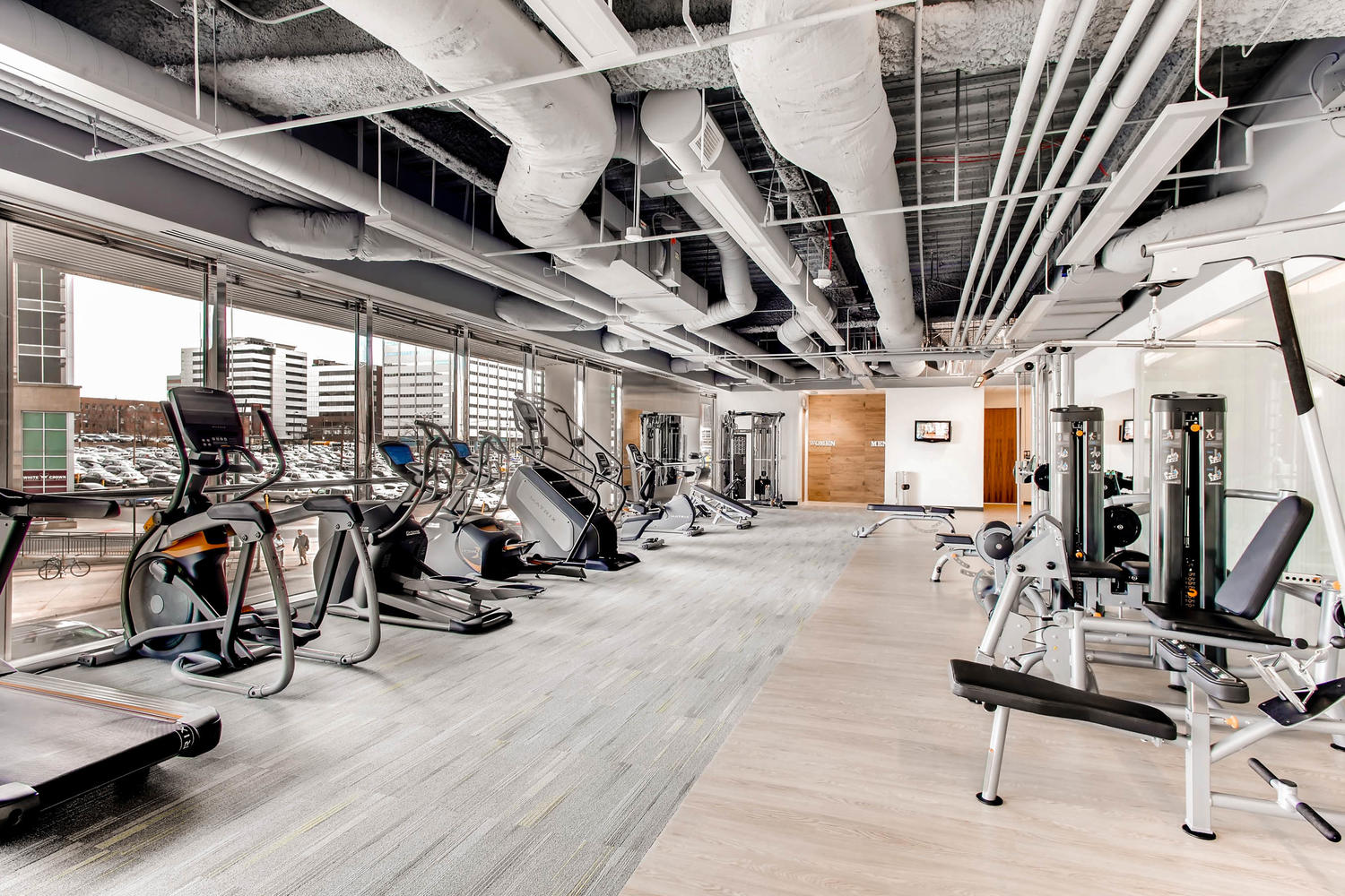 http://1999broadway.com/wp-content/uploads/2016/08/1999-Broadway-Denver-CO-80202-large-035-14-Fitness-Center-1500x1000-72dpi.jpg